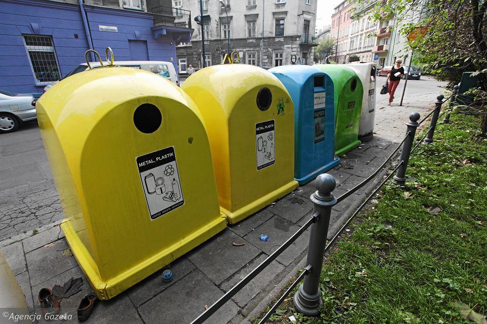 Jeśli nie segregujesz śmieci, zapłacisz cztery razy więcej. Czy zróżnicowanie stawek za odbiór odpadów poprawi poziom recyklingu w Polsce?