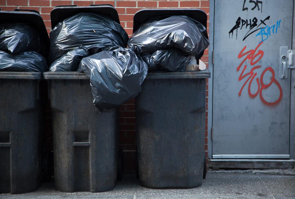 Nie segregują odpadów, bo te odbierane są zbyt rzadko