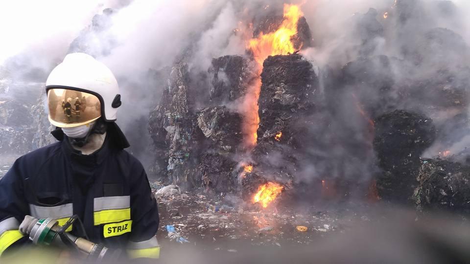 MSWiA chce walczyć z pożarami odpadów. Zakłady do przebudowy?